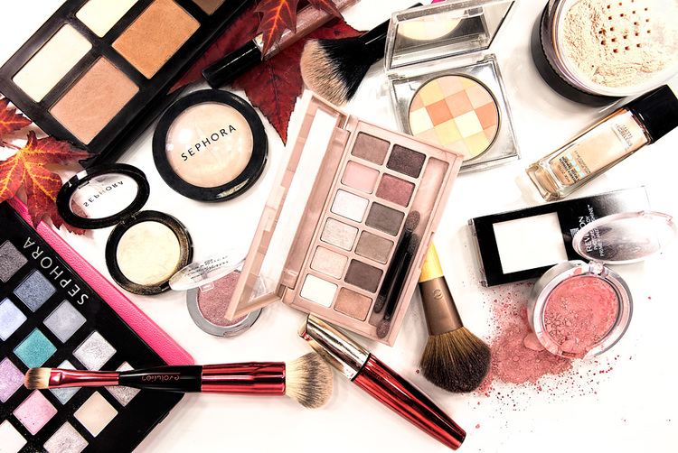 Please, Stop The Makeup Shaming